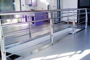 Barandilla interior de diseño especial con iluminación integrada