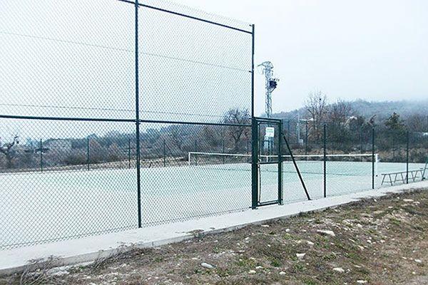 Cercado metálico para instalaciones deportivas