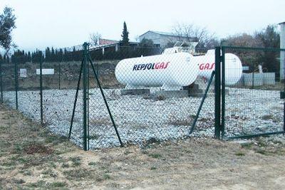 Cercados metálico para instalaciones de gas