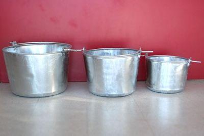 Calderos artesanales realizados en zinc