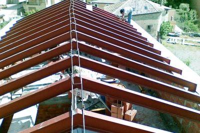 Estructura metálica para cubierta de vivienda unifamiliar
