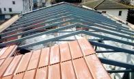 Estructura metálica para cubierta en vivienda unifamiliar